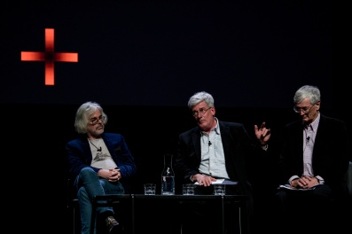 David Walsh, créateur du MONA et sponsor de Dark + Dangereous Thoughts, conversation de clôture avec Dick Smith sur l'inévitabilité de la mort et des impôts.
